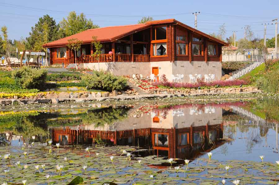 Hılla Nilüferli Park ve Kütük Ev
